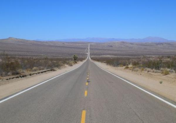 endless-road-death-valley