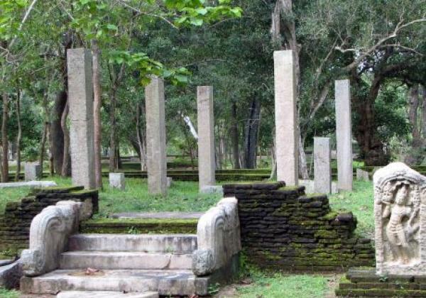 anuradhapura-(1)
