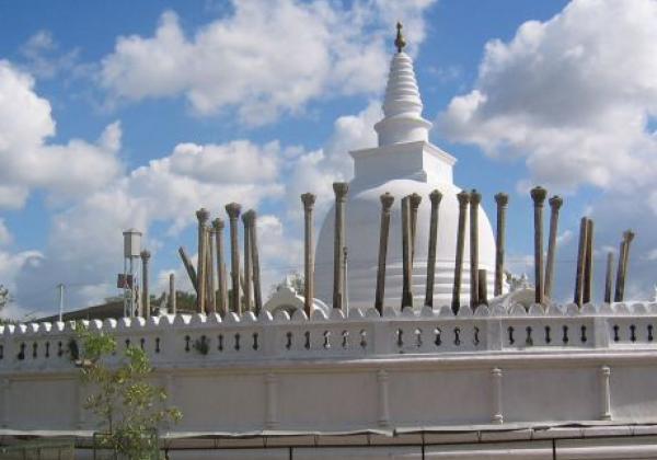anuradhpura-ruins