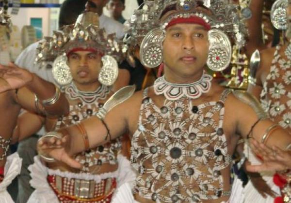 kandyan-dancers