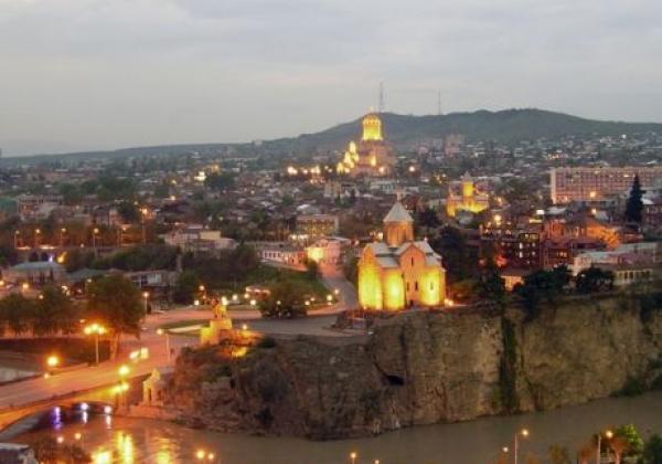 tbilisi-bei-nacht