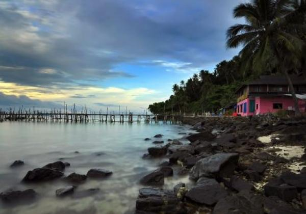 malaysia---beach-at-sunset