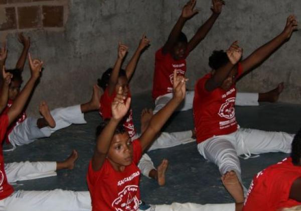 capoeira-gruppe-in-imbassai