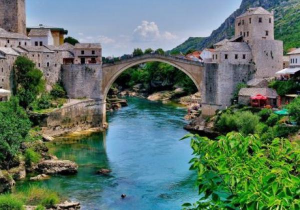mostar-brücke---bosnien