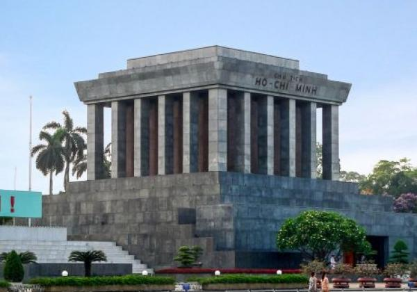 ho-chi-minh-mausoleum-01a-(7)