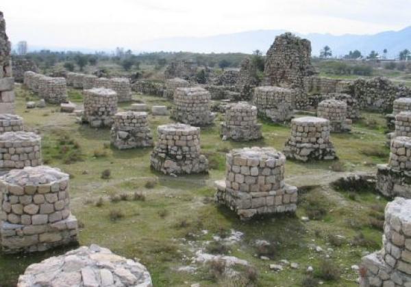 tag9.ruinen-stadt-.-bischapur-.combination-of-cultur-ean