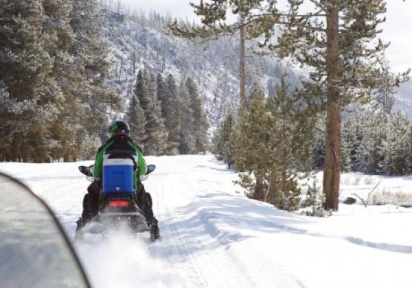 snow-mobile-rental