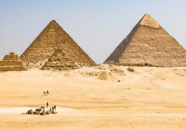pyramiden-von-gizeh-2
