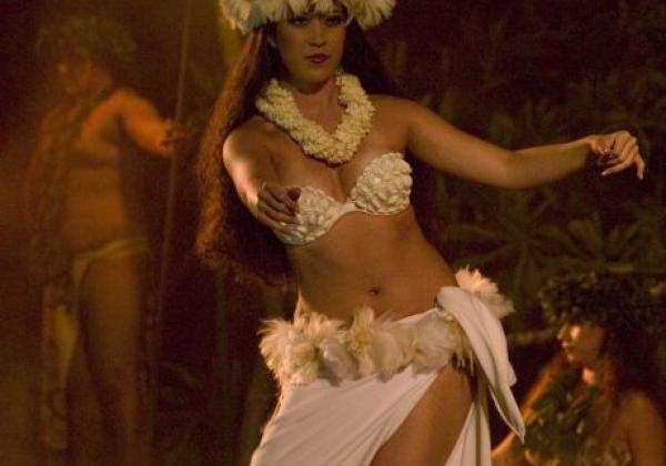 luau-dancer