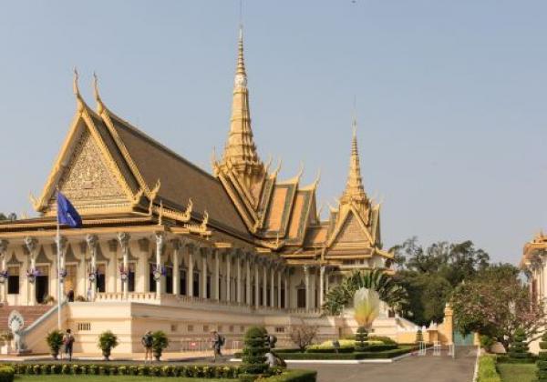 cambodia-phnom-penh--royal-palace