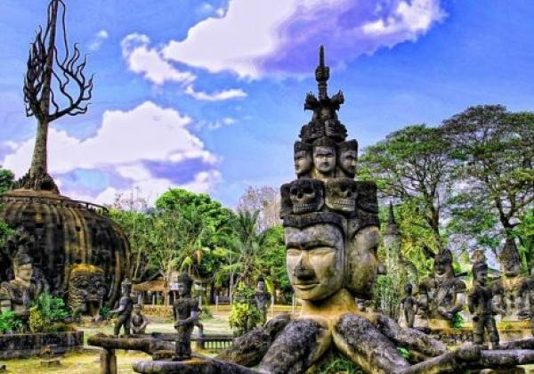 laos-buddha-park