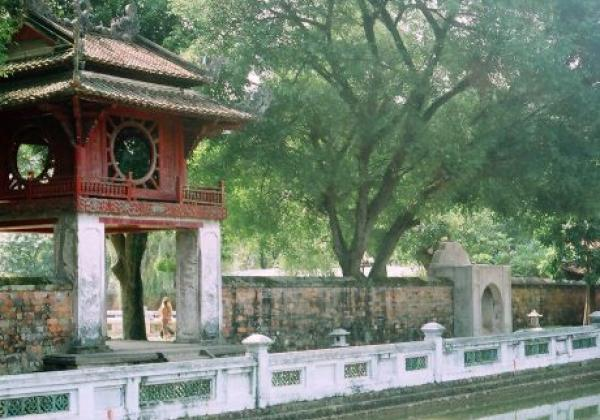 vn-hanoi-literature-temple