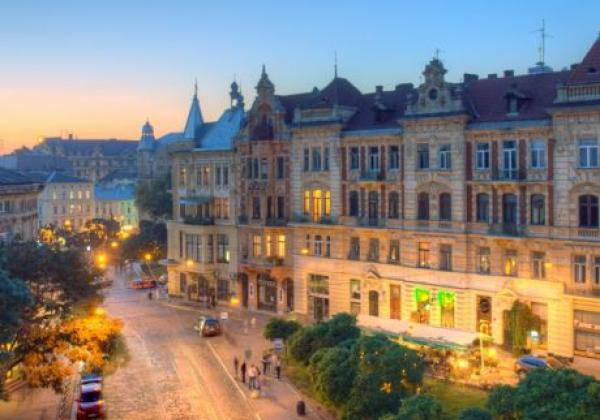 sobornaya-square-lviv