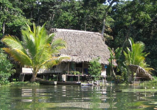 sih14n-rio-dulce-cabana