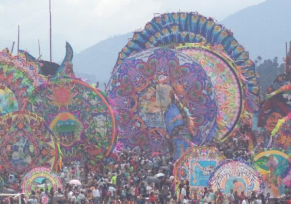 sih14n-sumpango-giant-kites