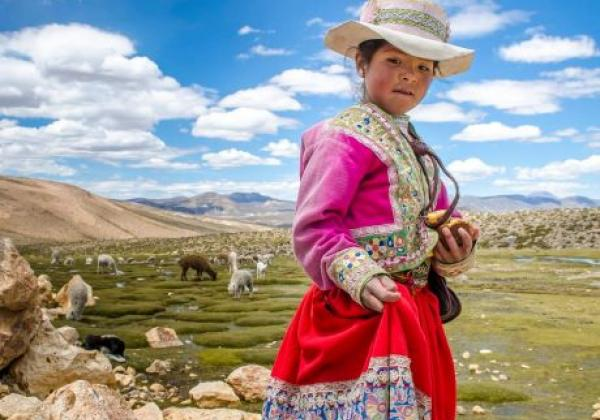local-girl-at-colca