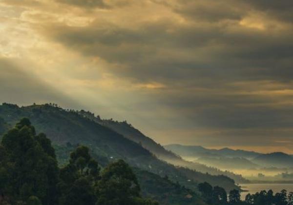 sonnenuntergang-in-uganda