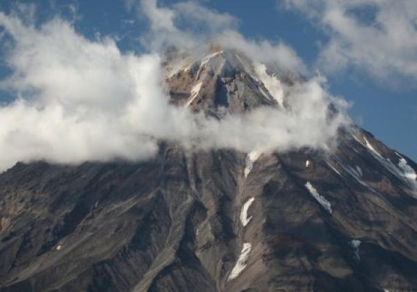 spitze-des-koryaksky-vulkans