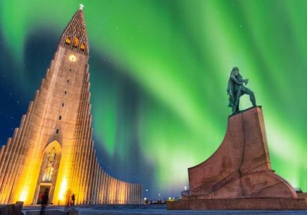 nordlichter-in-reykjavik