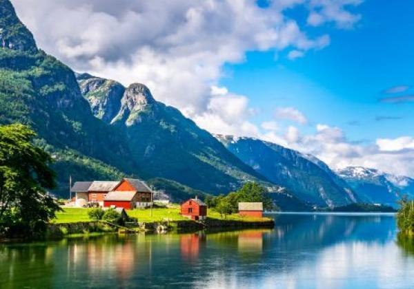 fjord-in-norwegen