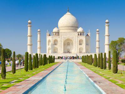 f7gnrc-taj-mahal-front-view,-agra,-uttar-pradesh,-india