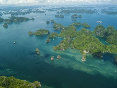 vn-halong-bay-overview