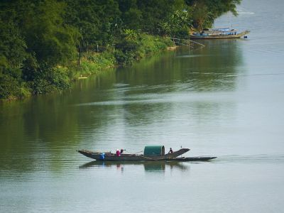 vn-hue-perfume-river