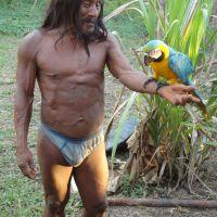 waorani-mit-papagei