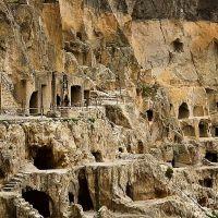 vardzia-cave