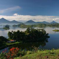 uganda---lake-mutanda-1