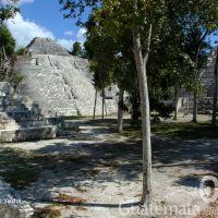 sitio-arqueologico-yaxha-2