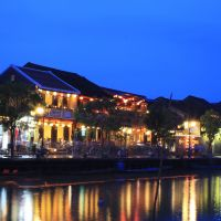 vn-hoi-an-riverside-night