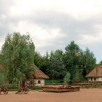 mamaievs-sloboda-kyiv-(1)