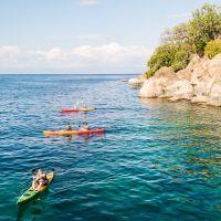 guests-kayaking