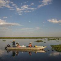 gaeste-entdecken-das-nordpantanal-per-boot-tn