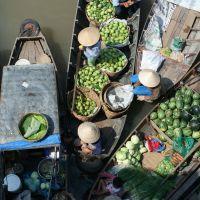 schwimmender-markt-im-mekong-delta