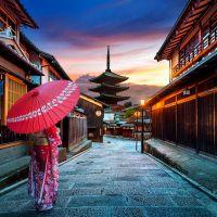 kyoto-mit-frau-im-kimono